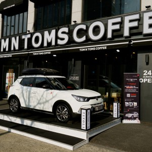 SSANGYONG    X   TOM N TOMS COFFEE